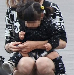 20代の新妻が油断して下着がみえてる画像って必ず抜けるよね[15枚]