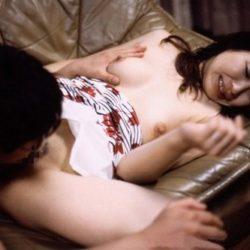 人妻主婦がオマンコに舌をねじ込まれてアンアン言ってる画像がアツい![25枚]