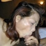 昭和世代のオバサン熟女が勃起チンコしゃぶる画像が勃起不可避ww[15枚]