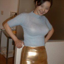 エッチな人妻奥さんが服を着たままでオトナの悪戯してくれる画像のエロさは尋常じゃない[13枚]