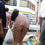 29歳アラサー奥さんが着衣でエロい尻してる画像で、まったりシコシコ[12枚]