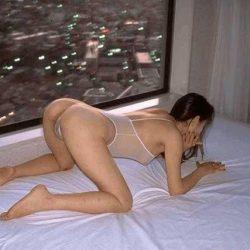 アラフォー世代の不倫で密会中の熟女がエロポーズで誘ってるハメ撮り画像[25枚]