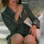 20代団地妻が油断して下着がみえてる画像でシコろうか[15枚]