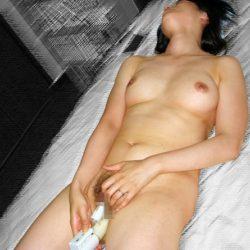 28歳奥さまが自宅でオナニーしてる画像がめちゃシコ[14枚]