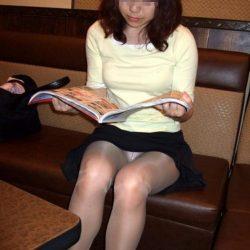 昭和世代のおばさんが油断して下着がみえてる絶妙な隠し撮りって、ガチ勃起するよな?[15枚]