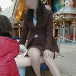 昭和世代のおばさん熟女が油断して下着がみえてる隠し撮りショットって、なんでこんなエロいんだ?[15枚]