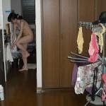 30歳過ぎの生活感のある団地妻が着替えてる画像のエロさは最強[15枚]