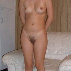 30代後半の尻も胸もムチっとした団地妻がエッチな事してくれる画像をお楽しみ下さい[25枚]