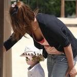 23歳くらいの生活感のある団地妻がエロポーズで誘ってる画像見ようぜ[15枚]