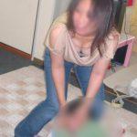 子連れの奥さんが胸チラしてる画像がセクシー過ぎて抜ける[13枚]