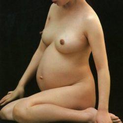 30代妊婦姿の人妻がエロくなってるハメ撮りでオナろうぜ![25枚]