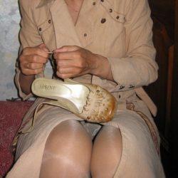 不倫で密会中の人妻主婦がエロポーズで誘ってる記念撮影、どれが一番抜ける?[19枚]