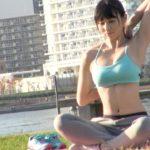 【画像+動画】公園で出会った胸も尻もエロいデカチチ巨乳のまだ若いスポーツウェア女子が騎乗位でSEXしてる画像がたまらんエロさ[25枚]