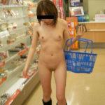 エッチな美人さんがコンビニとかお店で変態露出してる画像の観賞会はコチラww[31枚]