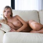 色気のある奥さんの陥没した乳首画像がマジエロ過ぎ[29枚]