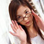 エロいカラダしたメガネお姉さんがSEXYな姿になった画像が勃起不可避ww[35枚]