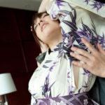 奥さんがちょい肌蹴着物・和服でエッチな事してる画像をじっくり楽しむスレ[29枚]