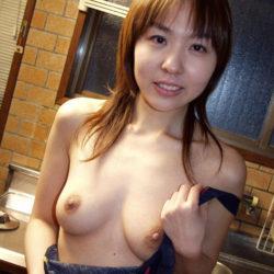 新妻が裸エプロン姿でSEXYボディを見せてくれる画像って、ガチ勃起するよな?[38枚]