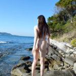 お姉さんがビーチでナマ露出してる画像でシコシコしましょう[36枚]