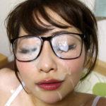 お固そうなメガネ人妻がガッツリ顔射されちゃってる画像、どれが一番抜ける?[26枚]