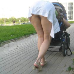 エッチな外人お姉さんが街中で実はノーパンになってる隠し撮りショットから目が離せない[30枚]