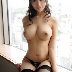 Gカップ巨乳の国宝級美乳の人妻さんがHなサービスしてくれる画像でシコシコしましょう[54枚]