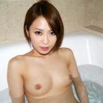 色っぽい奥さんが露天風呂でオトナの悪戯してくれる画像が欲しいんだが[42枚]