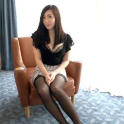 【画像+動画】32歳 胸も尻もエロいアラサー人妻がチンコくわえ込んでる画像をご覧ください[25枚]