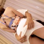【画像+動画】30歳 エロい乳した服脱ぎかけのビッチ団地妻がミニスカートでペロペロしてくれる画像って、つい見ちゃうよね[25枚]