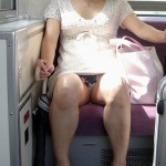 40手前のおばさん熟女が油断して下着がみえてる画像って必ず抜けるよね[15枚]